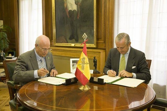 El Director General de la Guardia Civil y el Presidente del Teléfono de la Esperanza firman un protocolo colaboración - 1, Foto 1