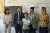 Los premiados en el concurso de dibujo 'Crece en Seguridad' recibieron sus premios y diplomas