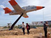 El Ayuntamiento mejora la estética de la 'rotonda del avión' que pasa a ser municipal
