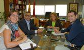 Reclaman a la Consejera de Educación obras y mejoras en los Colegios del Municipio