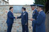 San Javier homenajea a la Patrulla Águila con una bandera que ya ondea a la entrada de Santiago de la Ribera