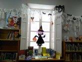 La Biblioteca Municipal 'Mateo García' se prepara para la festividad de Halloween