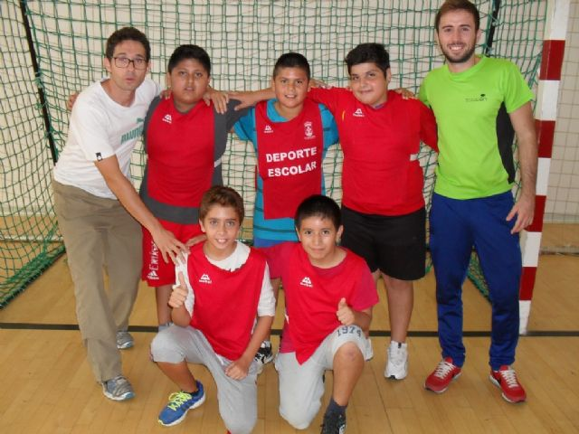 It launches the School Sports Programme with Phase Local basketball, handball, soccer and volleyball