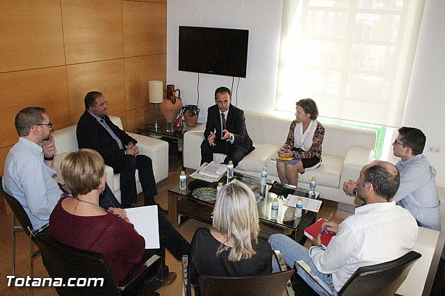 The municipal government interview with the CEO of Instituto de Fomento
