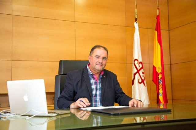 """The Mayor presented a motion in favor of the march """"against sexist violence"""""""