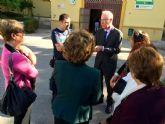 Navarro muestra su apoyo 'claro y contundente' a los vecinos afectados por las expropiaciones del puente de Senda de los Garres