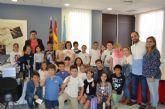 Los alumnos de 4° de Primaria del CEIP El Recuerdo entrevistaron al Alcalde durante una visita al Ayuntamiento
