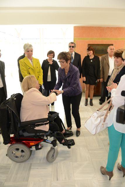 El mundo de la discapacidad traslada sus reivindicaciones a la presidenta de la Asamblea - 1, Foto 1