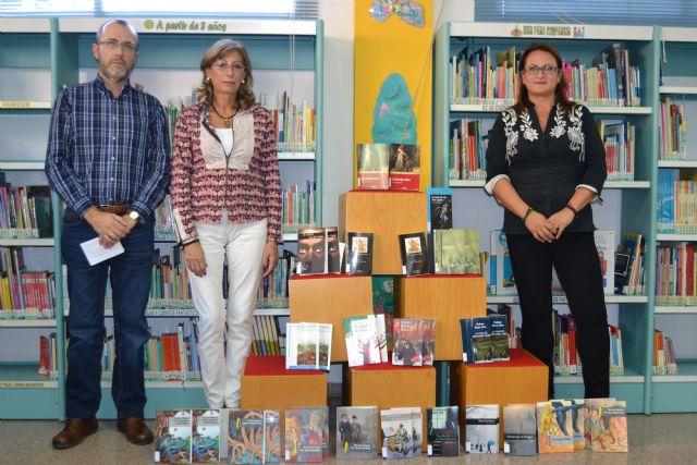 La biblioteca municipal adquiere los libros de lectura obligatoria de los institutos de la localidad - 1, Foto 1