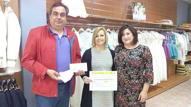 Ana María Balleste fue la ganadora del sorteo que se realizó con motivo de las Feria Outlet 2015
