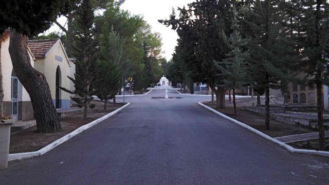 El Ayuntamiento pone a disposición de los vecinos un servicio de transporte gratuito al Cementerio Municipal - 1, Foto 1