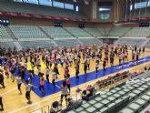 300 personas se mueven a ritmo de zumba en el Palacio de los Deportes