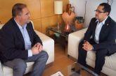 El alcalde se entrevista con el diputado nacional de Ecuador, Esteban Melo