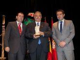 La Federación de Peñas Festeras entregó el Premio Oinokoe 2015 a los Carnavales de Águilas