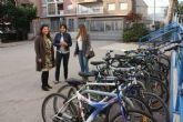 La Oficina Municipal de la Bicicleta instala aparcabicis en todos los institutos del municipio