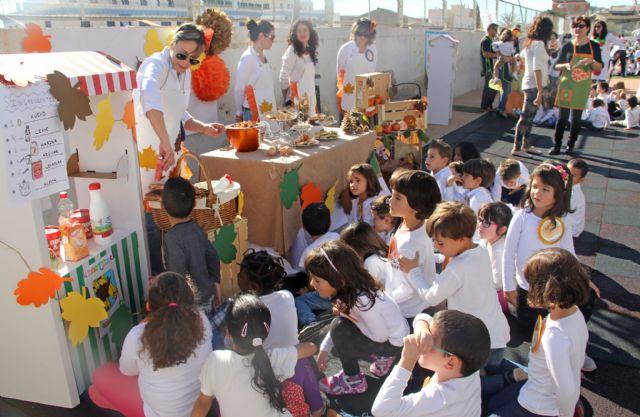 Los niños de Puerto Lumbreras celebran la llegada del otoño con la Fiesta de la Castañada - 2, Foto 2