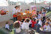 Los niños de Puerto Lumbreras celebran la llegada del otoño con la Fiesta de la Castañada
