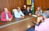 El Ayuntamiento colabora en campañas de ayuda alimentaria de Cáritas y Cruz Roja con la 'Cesta de la compra solidaria'