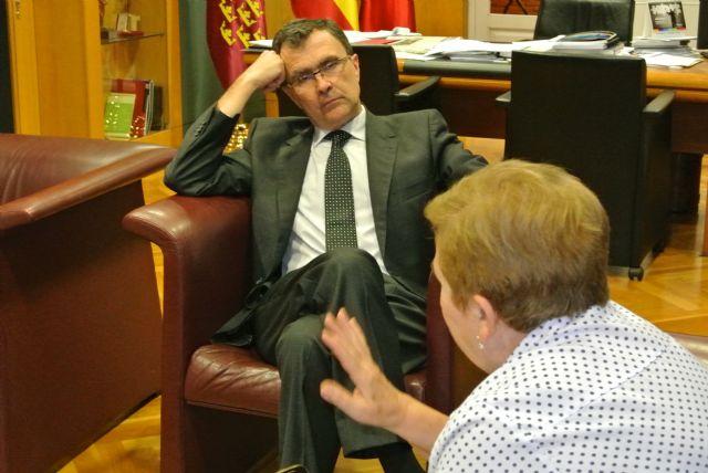 Ballesta abre su despacho a cuatro vecinos interesados en tener un encuentro con el Alcalde - 4, Foto 4