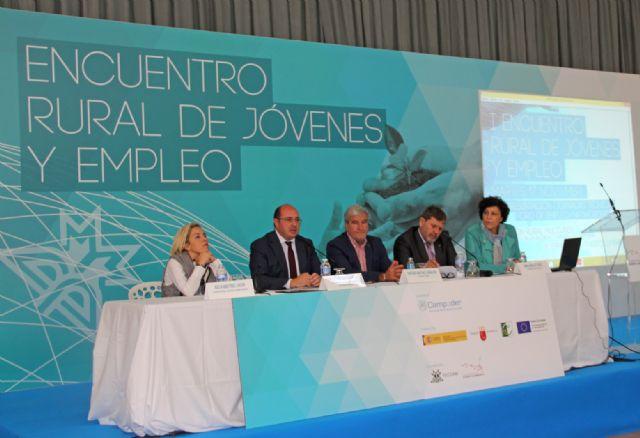 El presidente de la Comunidad clausura el I Encuentro Rural de Jóvenes y Empleo celebrado en Puerto Lumbreras - 2, Foto 2