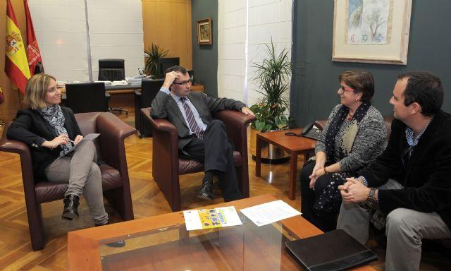 El Alcalde reitera el compromiso del Ayuntamiento para mejorar la calidad de vida de las personas con autismo - 1, Foto 1