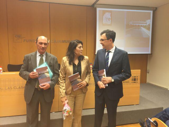 El Alcalde anima a descubrir la Murcia andalusí con la pasión, sencillez y poesía de María Martínez - 1, Foto 1