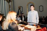 J�venes de secundaria y la alcaldesa escenifican las nueve declaraciones del Milagro