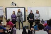 La Alcaldesa y la Concejala de la Mujer inauguran en el 'Emilio Candel' la Semana contra la Violencia de Género