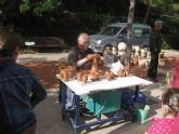 Se celebra el tradicional Mercado Artesano en La Santa con gran asistencia de público en la matinal del domingo
