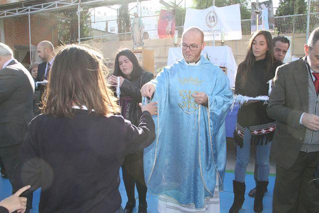 Los alumnos del Colegio San Vicente de Paúl celebran el Día de la Medalla Milagrosa - 1, Foto 1