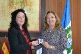 El  Pacote FS Pinatar nombra socia de honor a la alcaldesa, Visitación Martínez