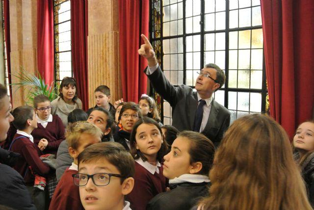 El Alcalde acompaña a los alumnos de visita por el Ayuntamiento - 3, Foto 3