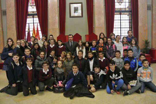 El Alcalde acompaña a los alumnos de visita por el Ayuntamiento - 5, Foto 5