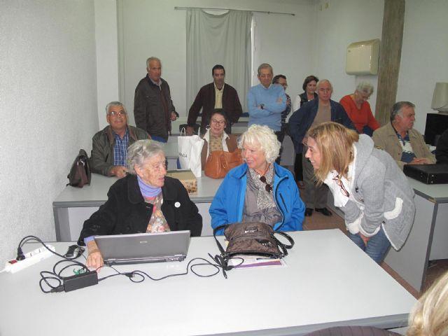 Sobresaliente en informática para sesenta mayores de los cursos de la concejalía de Servicios Sociales - 2, Foto 2