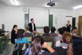Teodoro García con alumnos FP para intérpretes de lenguaje de signos