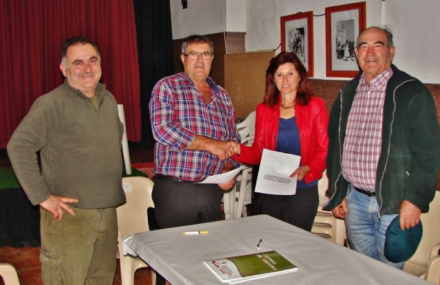 ACUDE firma convenios de colaboración con sociedades de cazadores de Alhama de Murcia, Foto 3
