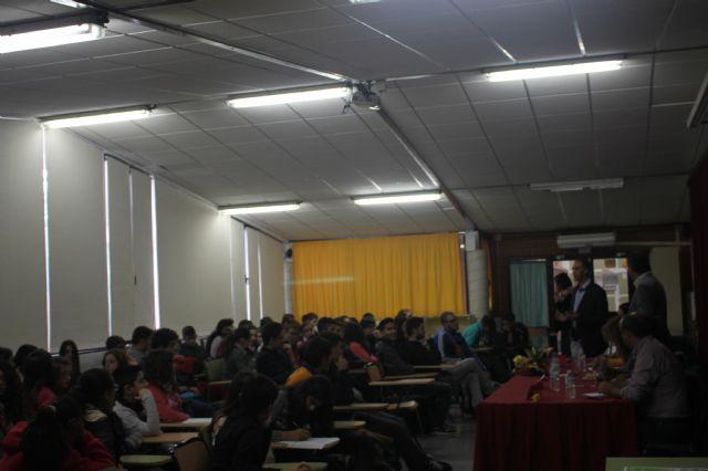 Asamblea con estudiantes de los institutos, Foto 1