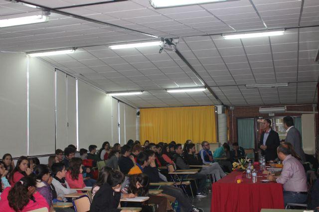 Asamblea con estudiantes de los institutos, Foto 2