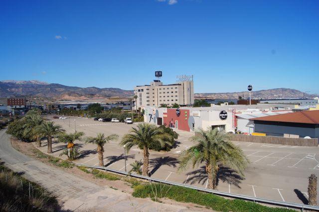 El Ayuntamiento va a solicitar a la Comunidad Aut�noma la instalaci�n de una ITV en el pol�gono industrial El Saladar, Foto 1
