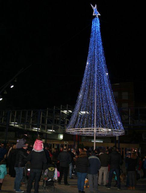 Desde esta noche ya luce el alumbrado navideño en Alcantarilla - 1, Foto 1