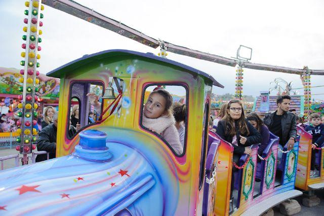 La apertura de las atracciones feriales inicia la programacion infantil de las fiestas, Foto 2
