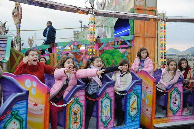 La apertura de las atracciones feriales inicia la programacion infantil de las fiestas, Foto 3