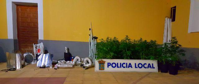 La Policía Local de Alhama descubre una plantación de marihuana, Foto 1