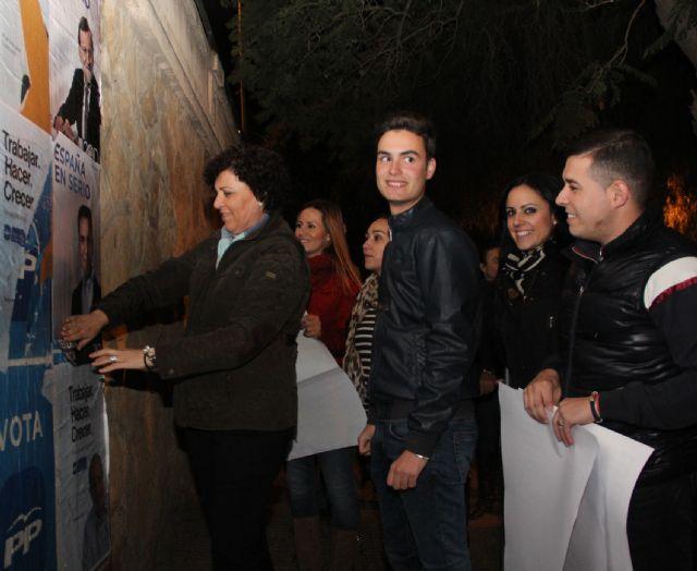 El Partido Popular de Puerto Lumbreras comienza la Campaña Electoral con la pegada de carteles - 3, Foto 3