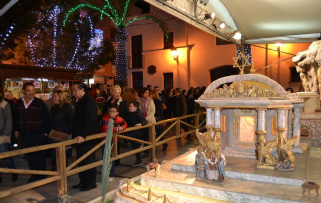 San Pedro del Pinatar da la bienvenida a la Navidad con la apertura del belén y el encendido de las luces - 1, Foto 1