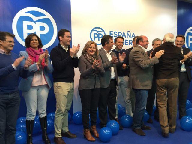 El Partido Popular de la Región de Murcia celebraba el viernes su primer mitin, Foto 1