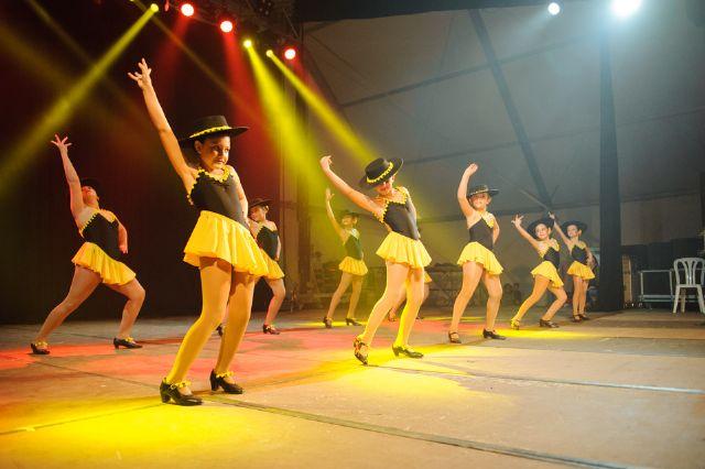 Las escuelas de baile del municipio muestran sus mejores coreografías, Foto 3