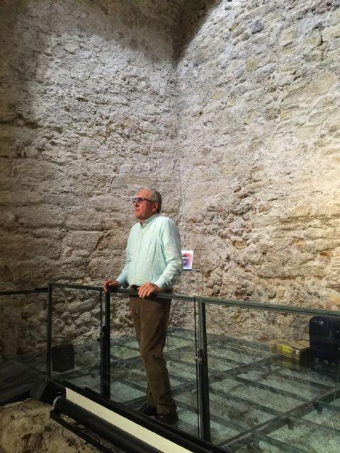 La bóveda romana acoge la presentación del libro