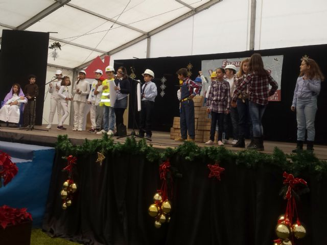 Los escolares pinatarenses cantan a la Navidad en el IV Encuentro de Villancicos escolares - 2, Foto 2
