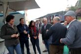 El candidato al Congreso Juan Mª Vázquez y el candidato al Senado Fulgencio Gil visitan el mercado semanal de Puerto Lumbreras